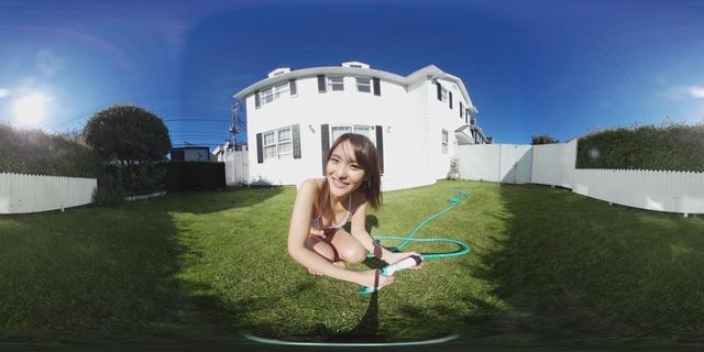 プレビュー さきちゃんとお庭で水遊び